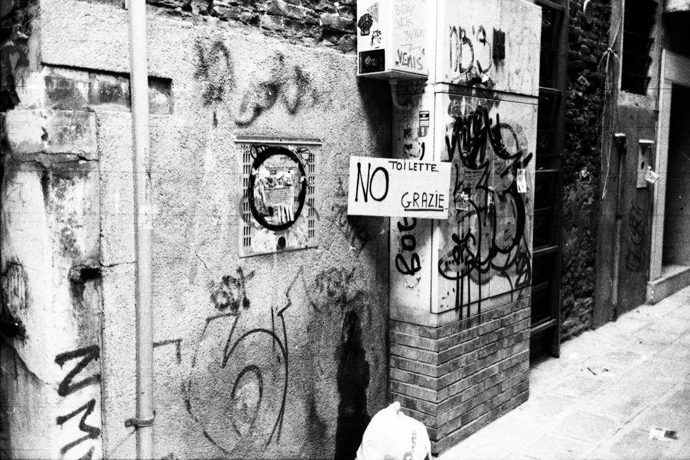 Venice - No Toilette Grazie