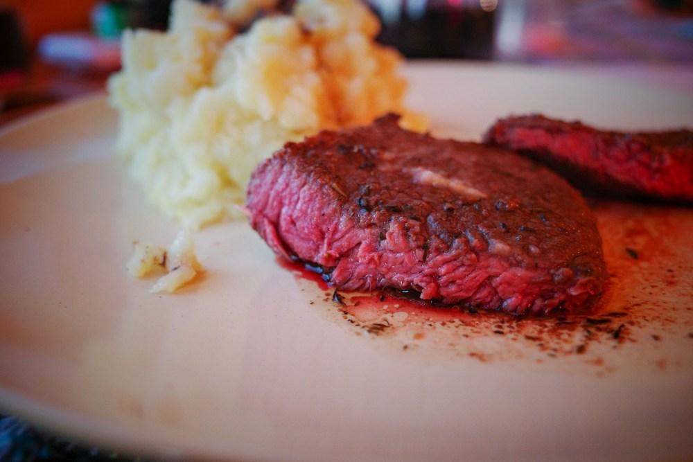 steak cinestill tcs-1000