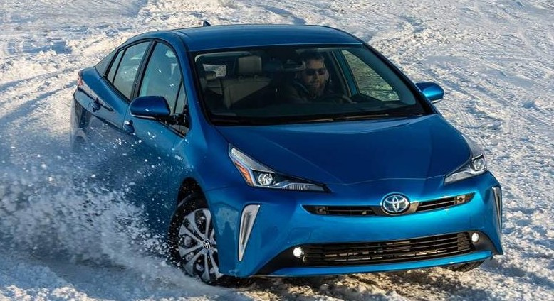 2022 Toyota Prius test drive with its new engine system