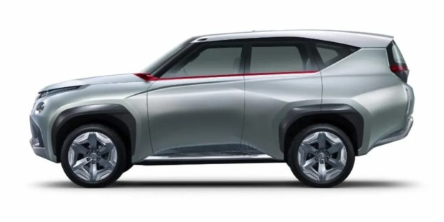 2021 Mitsubishi Pajero Hybrid with new exterior design