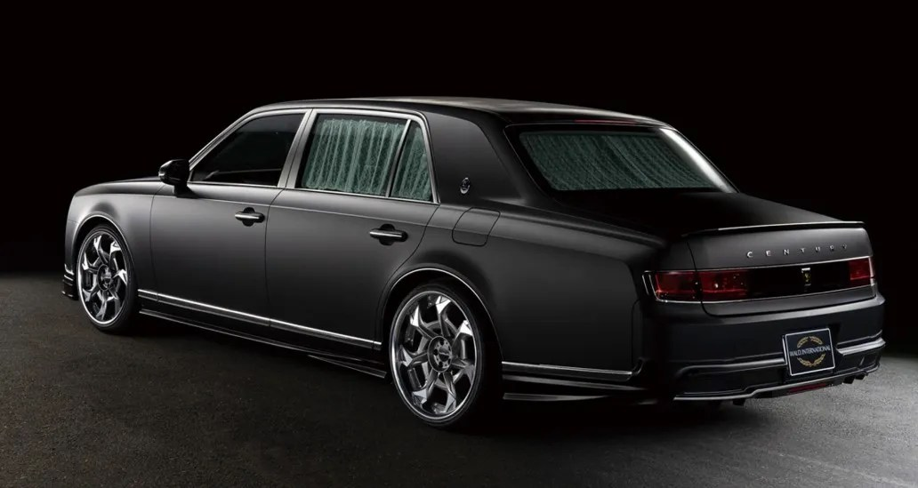 2021 Toyota Century full view