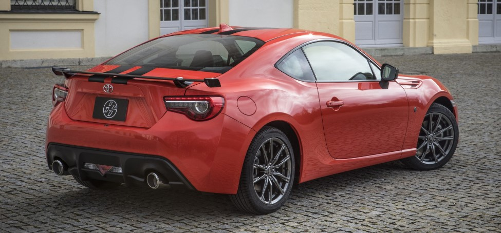 2021 Toyota GT-86 with new exterior design