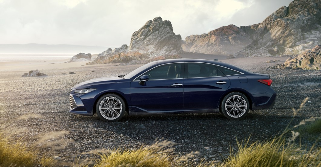 2021 Avalon Hybrid Official Preview