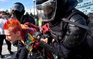 Russia protests: Hundreds detained during unauthorised demonstration