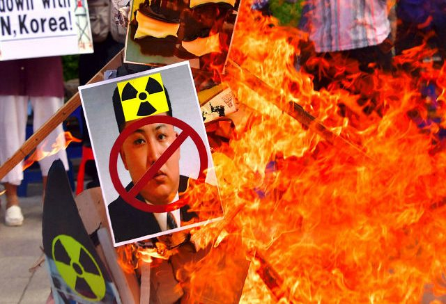 south-korea-protesters-burn-kim-jong-un-signs-getty-640x480-640x437.jpg