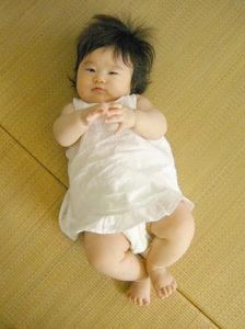 小さくてもきちんとした服ノースリーブドレス着画
