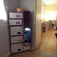 Mobilier en carton, dans un logement. Comment trouver de l'inspiration pour faire un meuble triangulaire