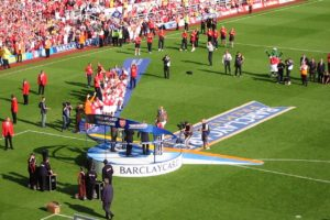 Trophy_presentation_Highbury_2004