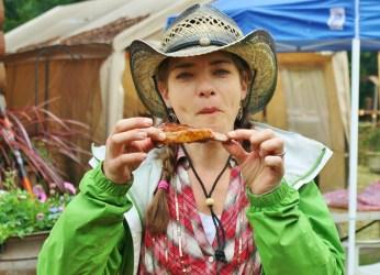 Hayley eating Jon's ribs