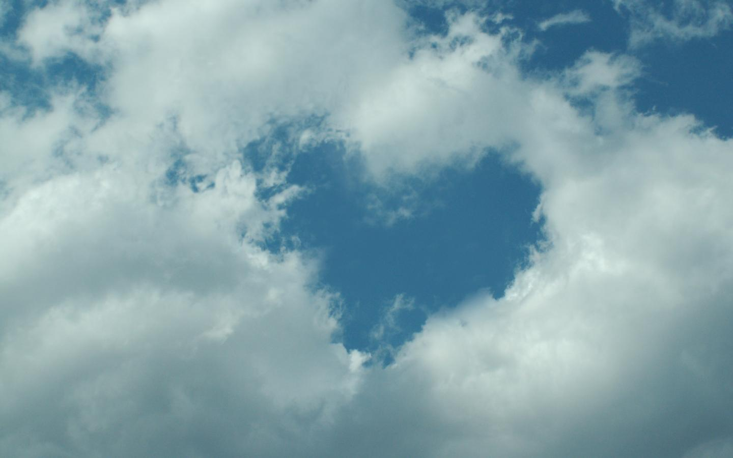Animated Cute Girl Wallpaper Hd Heart Shaped Cloud 12 Of 57 With Heart Shape Hole In Sky
