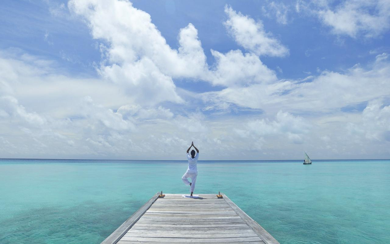 Yoga Girl Wallpapers Hd Perfect Desktop Background With Yoga Pose At The Beach
