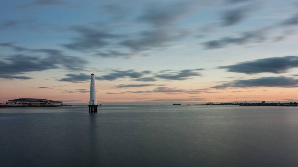 Free Fall Desktop Wallpaper Downloads 4k Nature Wallpaper With Princes Pier Port Lighthouse Hd
