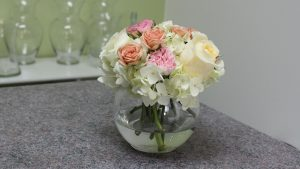 Small Rose Flower Arrangement with Hydrangea