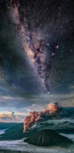 Samsung Galaxy Note8 background with Picture of Galaxies over Mountains