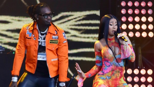 Cardi B Offset perform live image