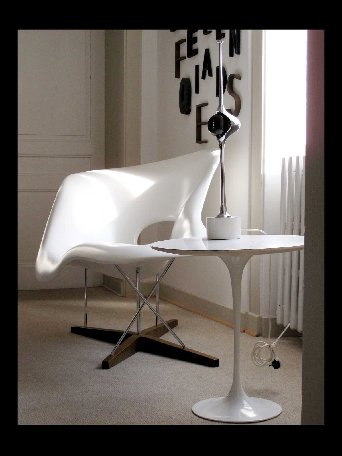 eames chair white plastic covers dining room chairs la chaise ~ sculpture, lounge, | all roads lead to home