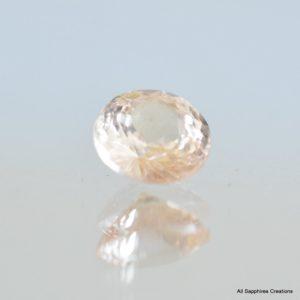 Round peach champagne peach sapphire