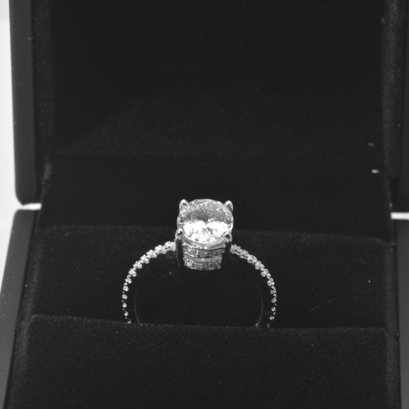 white sapphire 18k gold ring