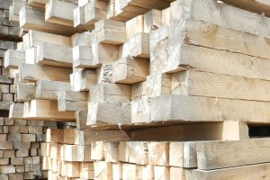 Wood types used by Michigan Pallet Suppliers