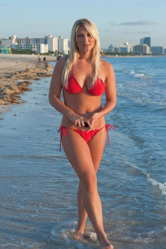 brooke hogan Bikini Photos