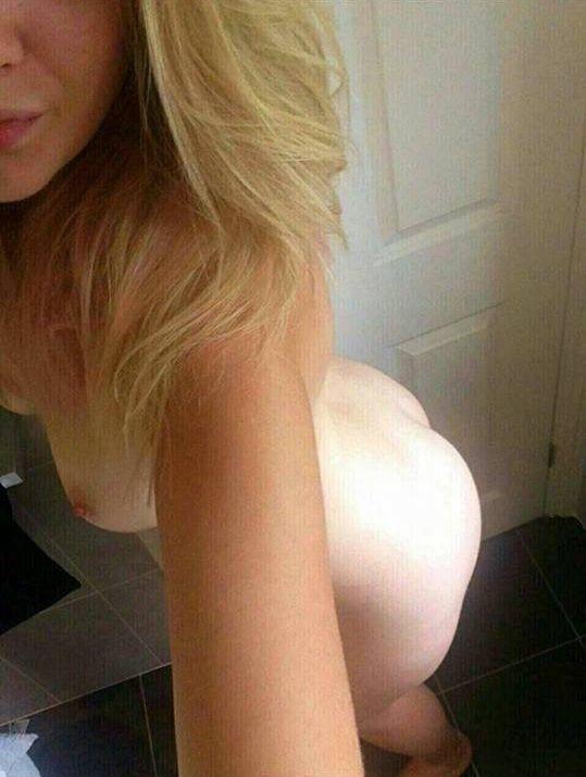 Diletta Leotta nude leaked selfie!