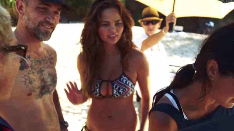 Chrissy Teigen in bikini