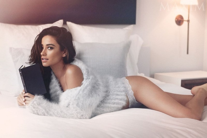 Shay Mitchell Nude