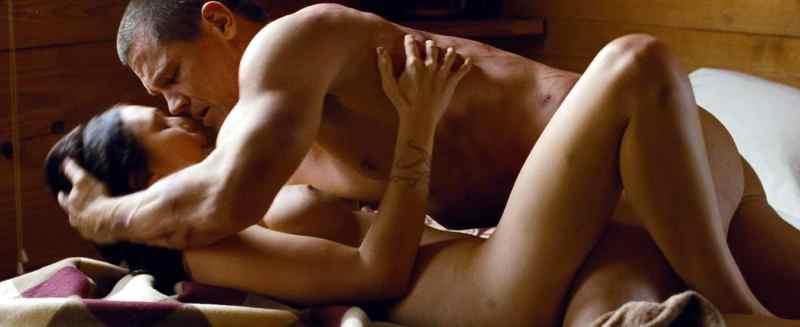 Elizabeth Olsen Nude Photos
