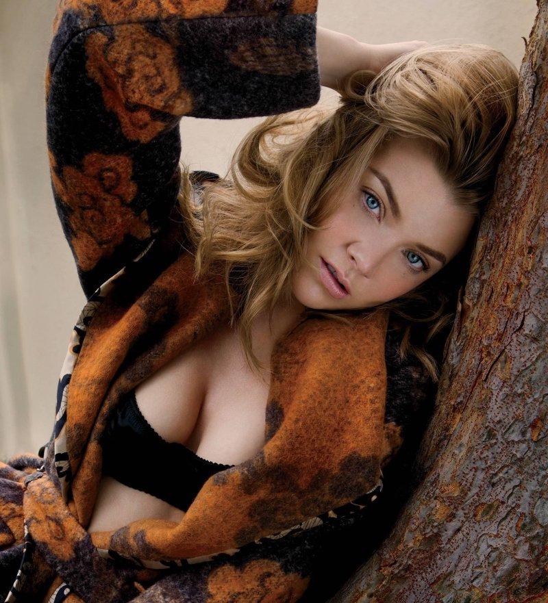 Natalie Dormer Sexy Pics