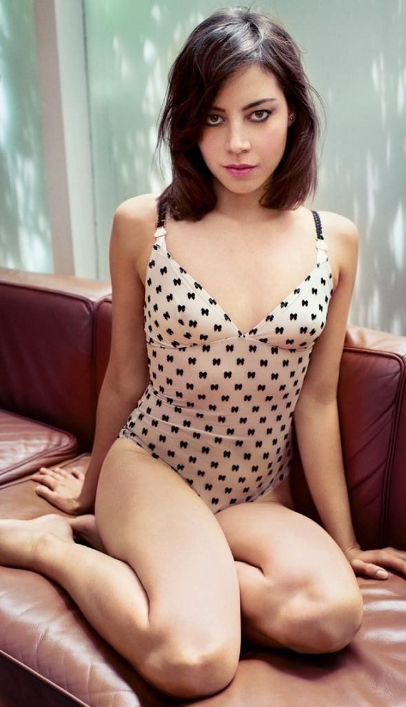 Aubrey Plaza Sexy Photos