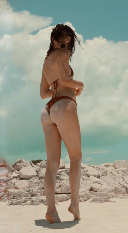 Kendall Jenner Ass & Booty Pics