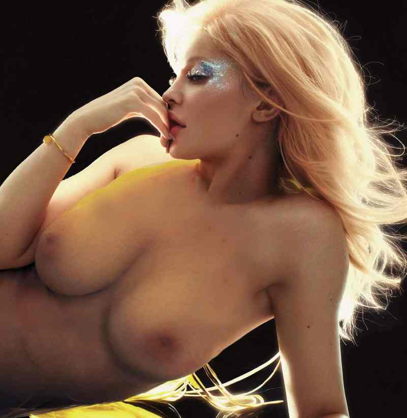 Kylie Jenner Nude Pics