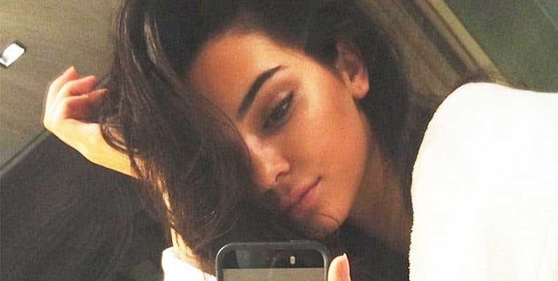 Kendall-Jenner-sexy-selfie-795x400-1