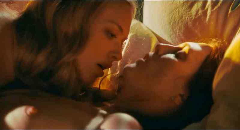 Amanda Seyfried Nude Movie Scenes