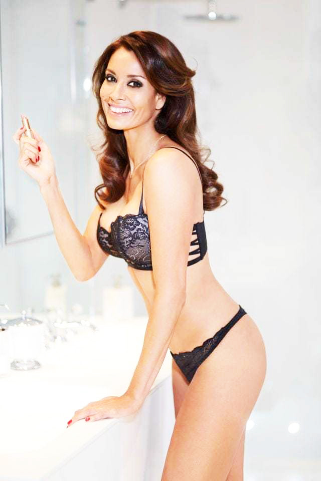 Melanie Sykes nude sexy pics
