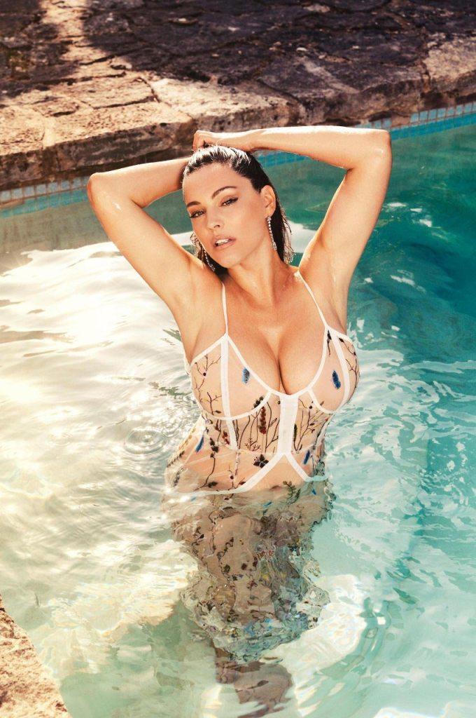 Kelly Brook nude sexy photos