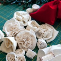 On my worktable - Christmas decorations in progress