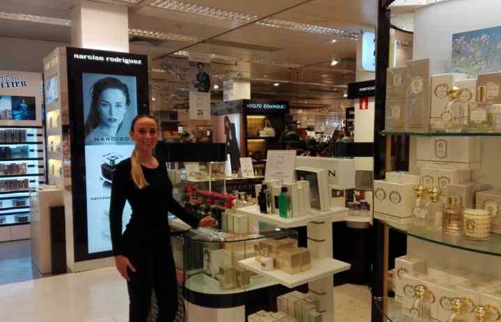 Resultado de imagen de promotores de perfumeria