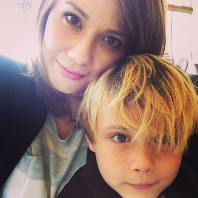Lexa Doig's selfie with his son