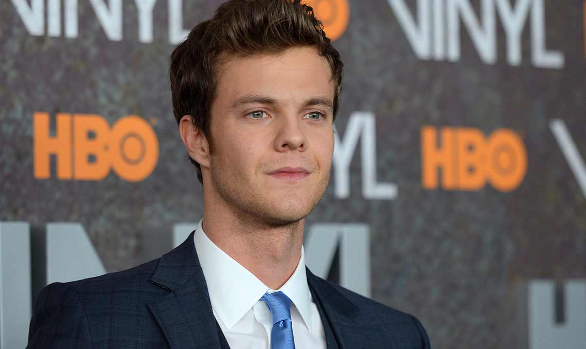 Jeu: Les sosies - Page 4 Jack-Quaid-photos-Bio-Net-worth-Height-Body-Girlfriend-Affair-Married-Ethnicity