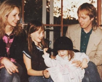 Jane with late-Tom and their two daughters