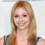 Liliana Mumy Net Worth, Parents, Age, Boyfriend & Married