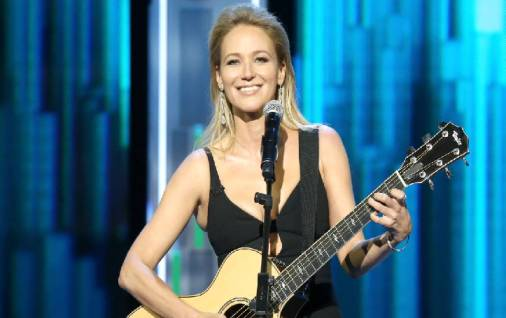 Jewel Kilcher Biography, Career, Net Worth, Marriage, Children, Height, Weight,
