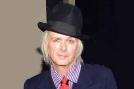Image of a guitarist Michael Lockwood