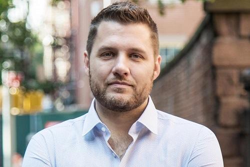 Author and blogger Mark Manson image