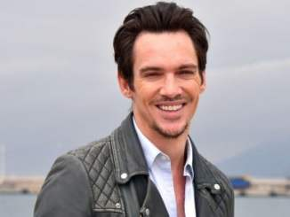 Jonathan Rhys Meyers Bio, Wiki, Net Worth, Wife, Baby, & Age