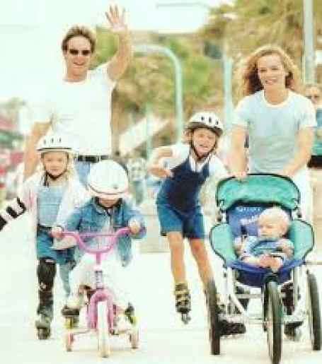 Photo of Chris Potter, his wife, Karen Potter their children