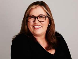 Liza Tarbuck Bio, Wiki, Age, Height, Net Worth, Salary, Married & Husband