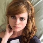 Sarah Beattie Bio, Age, Boyfriend, Height, Net Worth, & Career