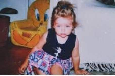Childhood photo of Victoria Konefal.